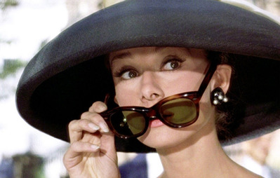 audrey-hepburn-sunglasses-pulldown-breakfast-at-tiffanys-big